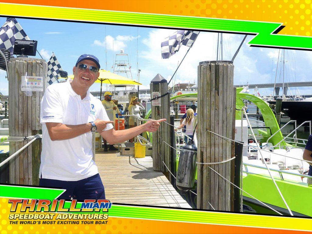Una divertida manera de ver el Downtown de la ciudad y parte de Miami Beach desde el agua