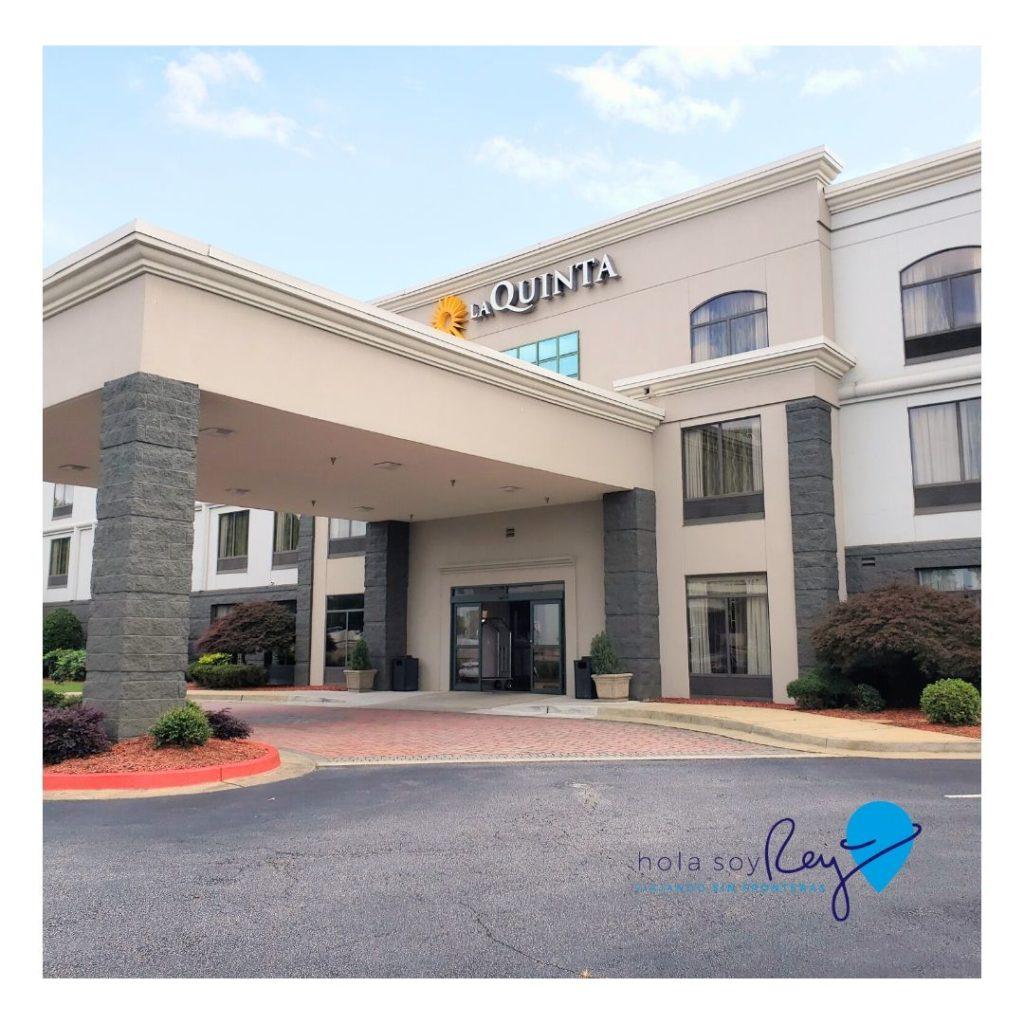 Fachada del hotel La Quinta Inn